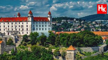 Slovakya, Rusya'nın aşısını almaları karşılığında Ukrayna'dan toprak vaadedildiğini açıkladı