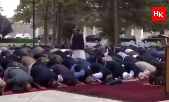 VİDEO | Afganistan'da Cumhurbaşkanlığı Sarayı yakınlarında Bayram Namazı esnasında roketli saldırı!