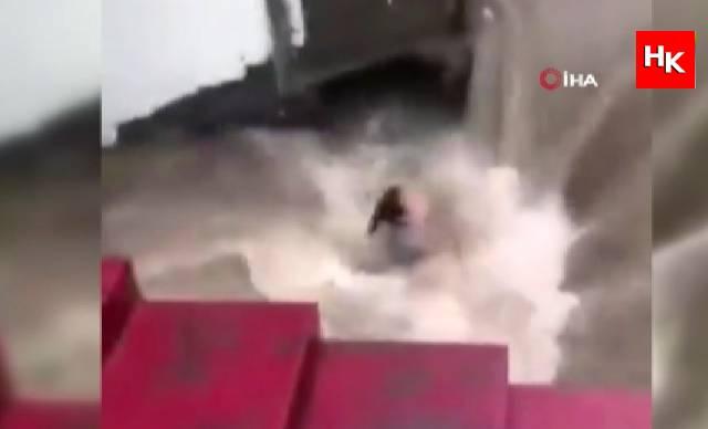 Çin'de korkunç sel felaketi!