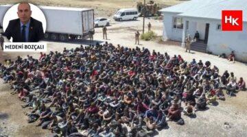 Akıllara durgunluk veren olay! Bir tırdan yüzlerce göçmen çıktı