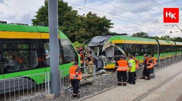 İki tramvay çarpıştı! Çok sayıda yaralı var!